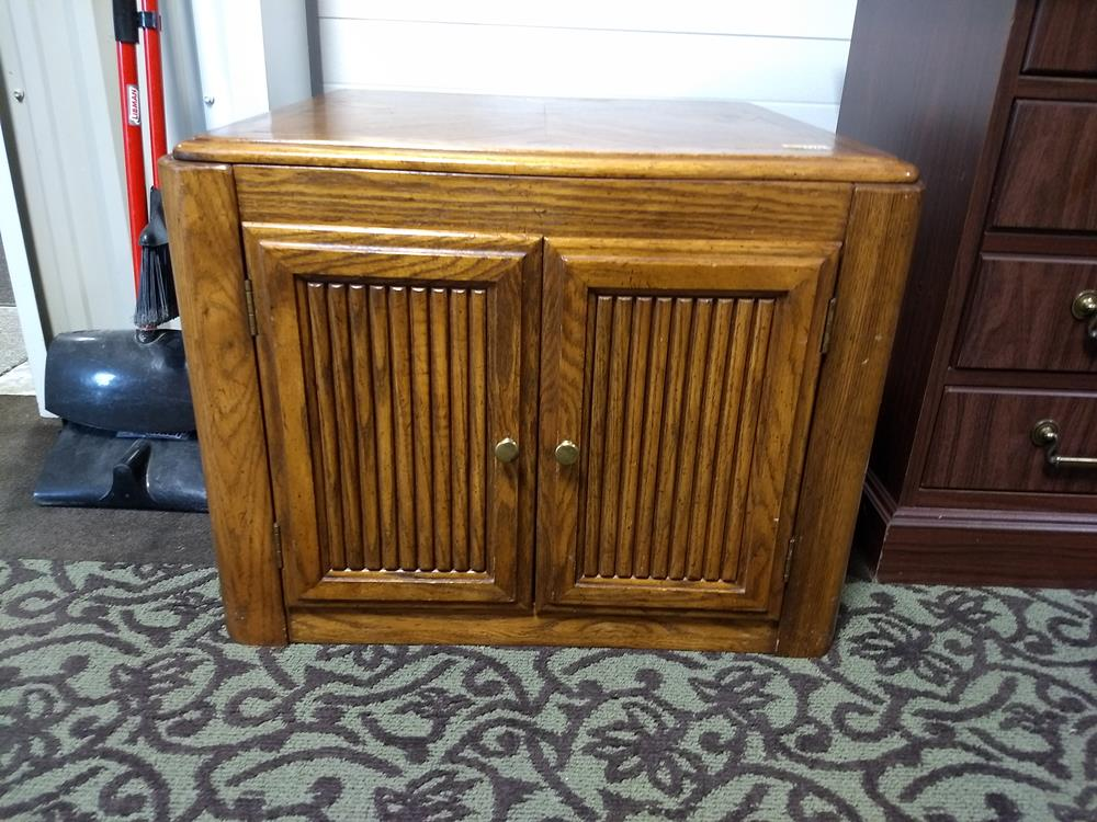Sold Solid Wood End Table With Double Doors Value Auction Barn