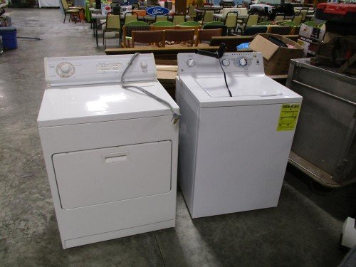 Whirlpool Clothes Dryer and General Electric GE Clothes Washer at Value Auction Barn in Columbia Missouri Consignment Estate Sales Household Appliances
