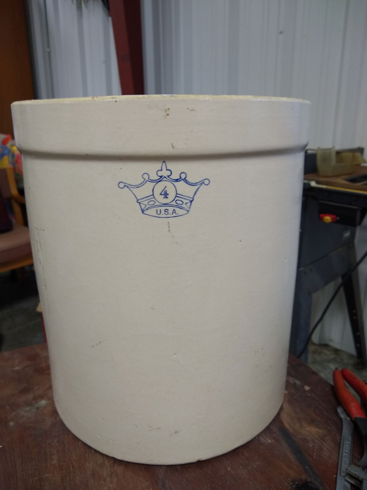 Vintage Blue Crown 4 Gallon Stoneware American Crock Robinson Ransbottom Antique from Value Auction Barn and Consignment Sales Store in Columbia Misosuri (1)